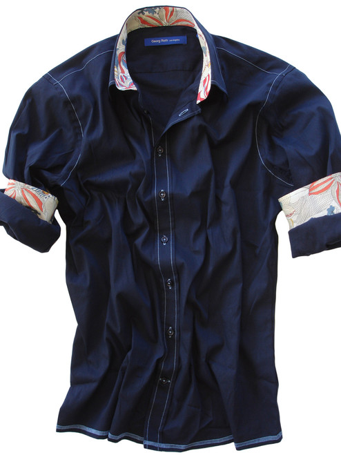 When less is more! The soft and comfy long sleeve men's stretch shirt in dark blue. All seams are done to perfection with contrast stitching.