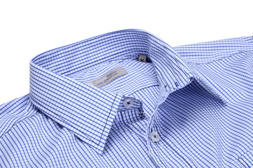 Classic with a twist! Super lux stretch in brilliant blue & white check. Mini motif inside the cuffs with a piping finish inside the placket. GRLA style 65% cotton 30% Polyamid %5 Lycra
