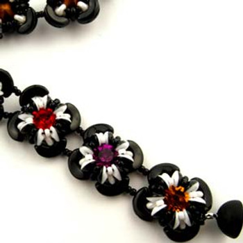 Little Flowers Designed By: BeadSmith Inspiration Squad Member Akke Jonkhof