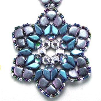Rhozanne Pendant Designed by: BeadSmith Inspiration Squad Member Carolyn Cave