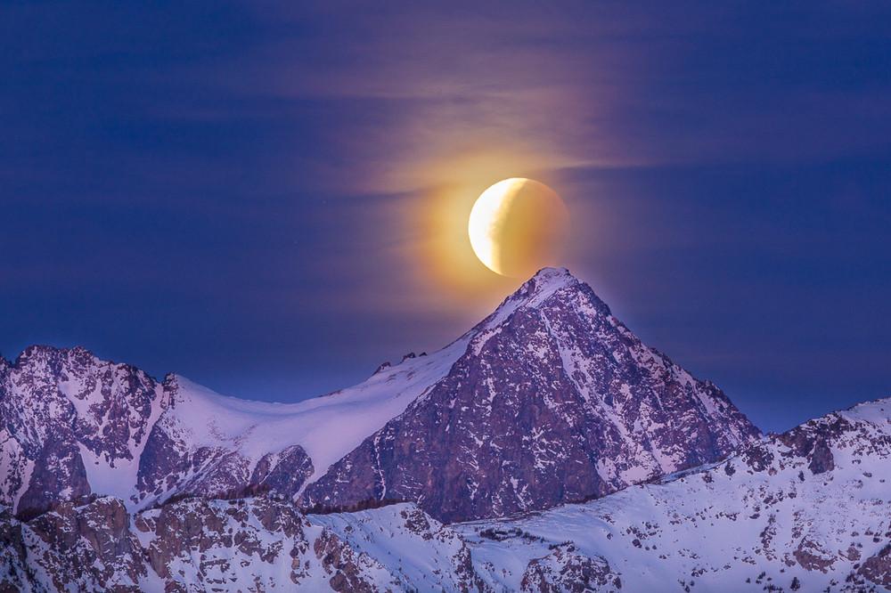 Dawn, Lunar Eclipse, Super Moon, Mount Ritter