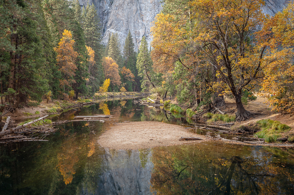 Autumn along the Merced River