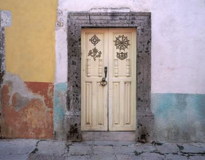 La Puerta Numero 42