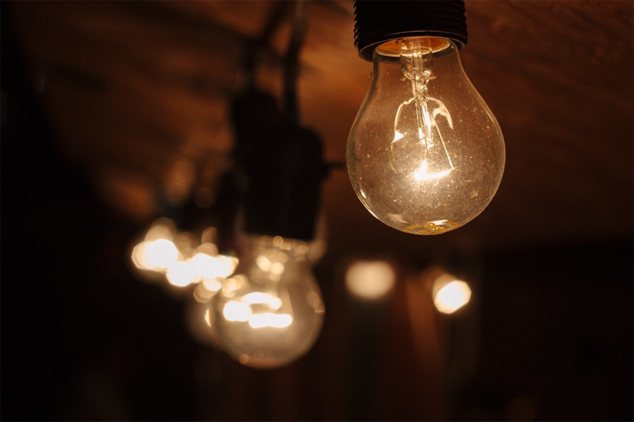 Incandescent GLS Amber Light Bulbs