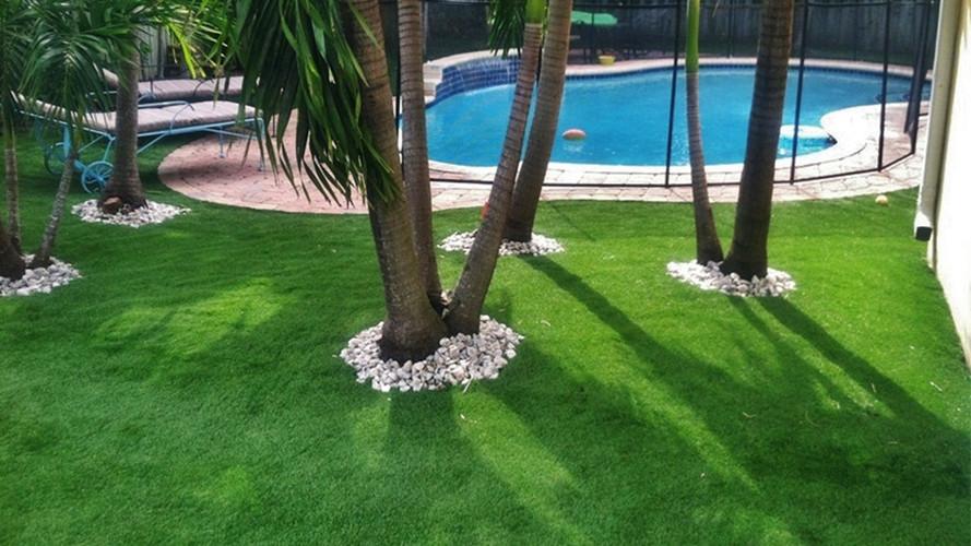 Artificial Grass Around Your Pool a Good Idea?