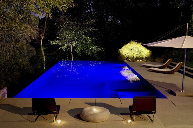 4 Smart Reasons to Choose LED Pool Lights