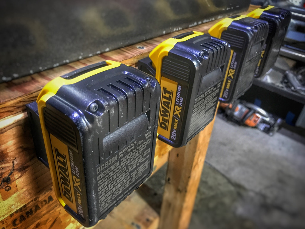Battery Mount Adapter Dock Holder for Dewalt 20v