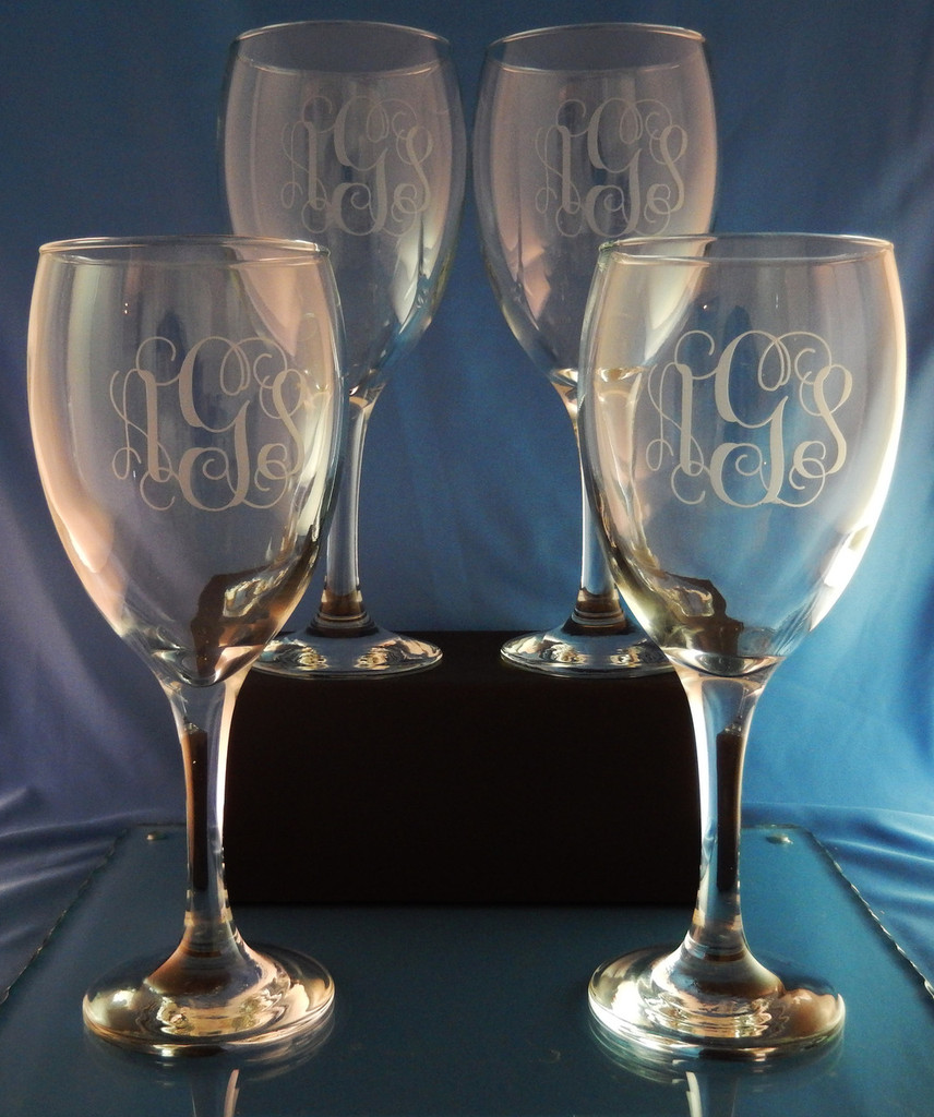 Personalized Robusto Crystal Wine Glasses