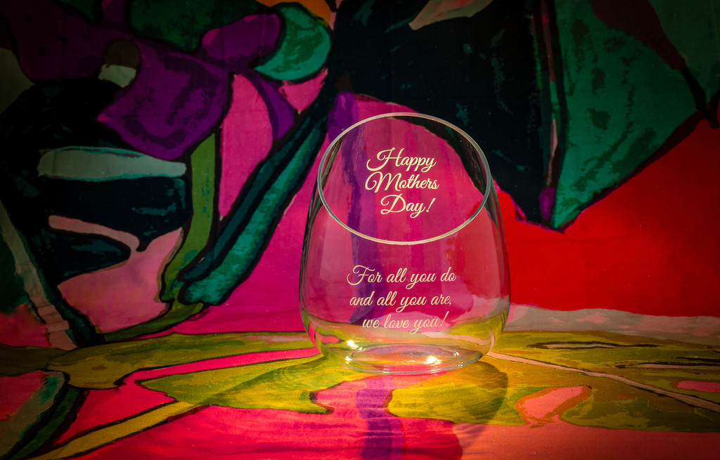 Personalized Sapporo Angle Vase | The Crystal Shoppe