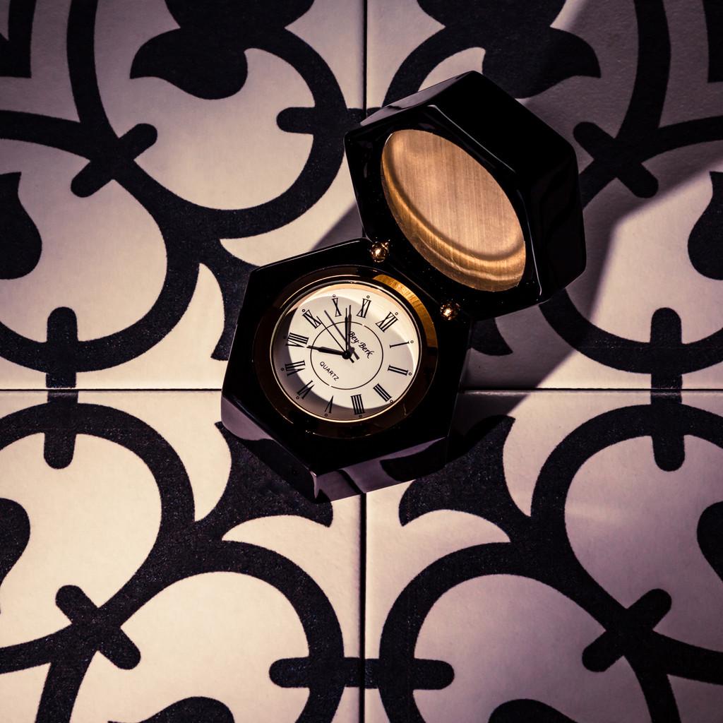 Desk Clock in Wooden Case (Great Gift For Men)