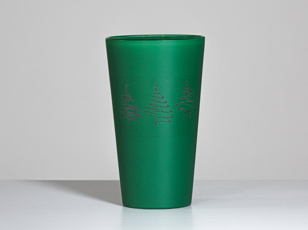 Etched Green Frosted Pint Glass, Engraved Beer Glass, Holiday Glasses, Christmas Barware, Celebrate St Patrick's Day, Monogrammed Pint Glass