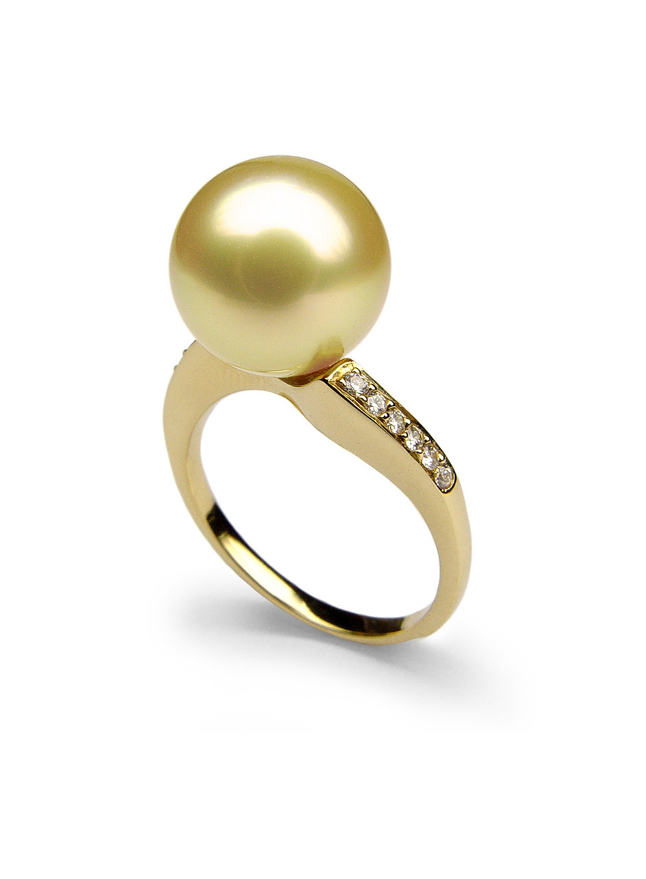 Classic 18K Golden South Sea Cultured Pearl And Diamond Ring