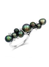 18K Ring With Tahitian South Sea Keshi Cultured Pearls And Diamonds