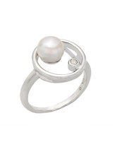 Sterling Silver Circle Shaped Ring with Freshwater Pearl and Topaz