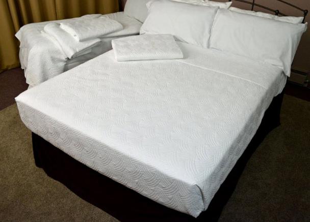 Breezes, Cotton, Bedspread, Blanket,tone-on-tone, contemporary, matelasse, design, Kartri, Sale, bulk