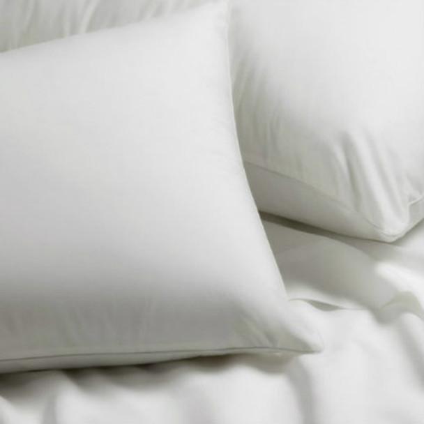 Ultra Polyester Pillow