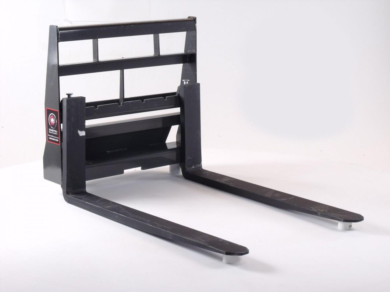 """Mini Skid Steer Pallet Forks for Dingo Universal Mount 42"""" Forks"""