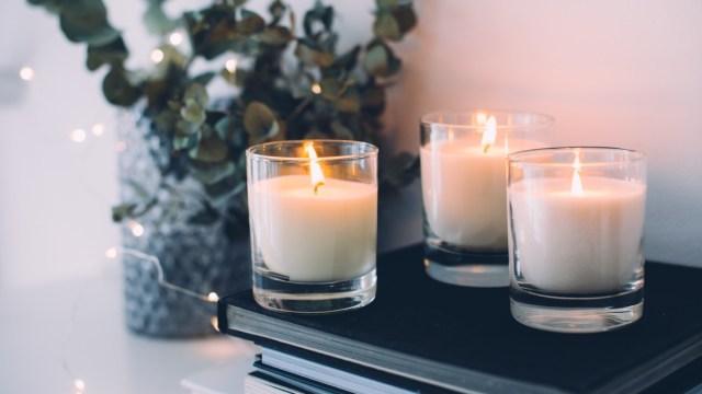 cozy-home-decor-burning-candles.jpg