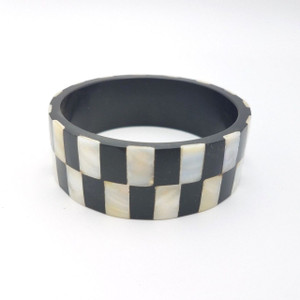 Chekero Resin and Mother of Pearl Checkered Bangle