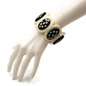Tyrina Oval Elastic Resin Bracelet with Polka Dot Design
