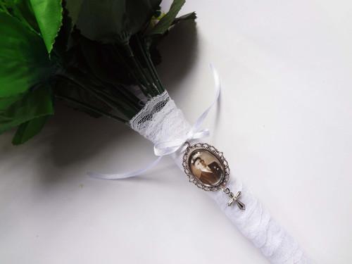 Bouquet Charm (Small Oval w/ Cross)  - Linda Design