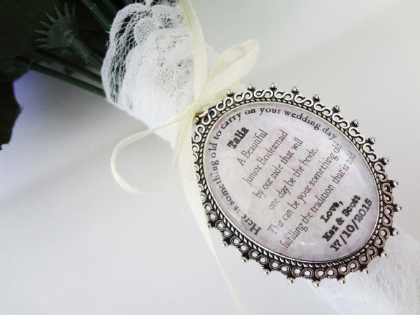 Bouquet Charm (Oval) - Leslie Design