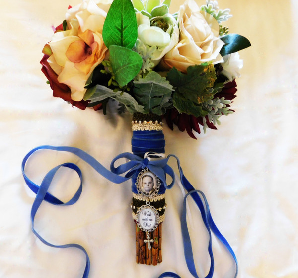 Bouquet Charm (Small Ovals x 2  & Cross)