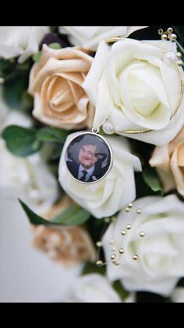 Double Sided Round Bouquet Photo Charm - Claire Design (ANTIQUE SILVER)