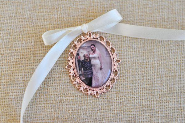 Bouquet charm - Rose gold single frame with ivory ribbon