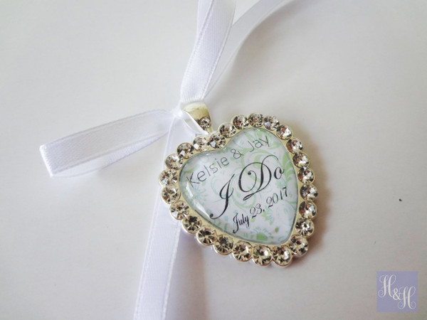 Bouquet Charm (Heart) w/ Rhinestones- Misela Design