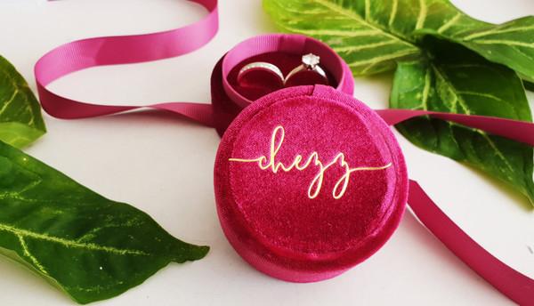 Round Velvet Ring Box (Roxy Design) - 2 Colours
