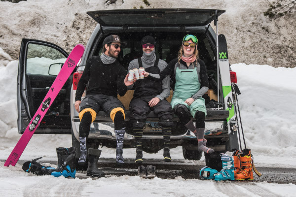 How to Dress for Skiing and Snowboarding
