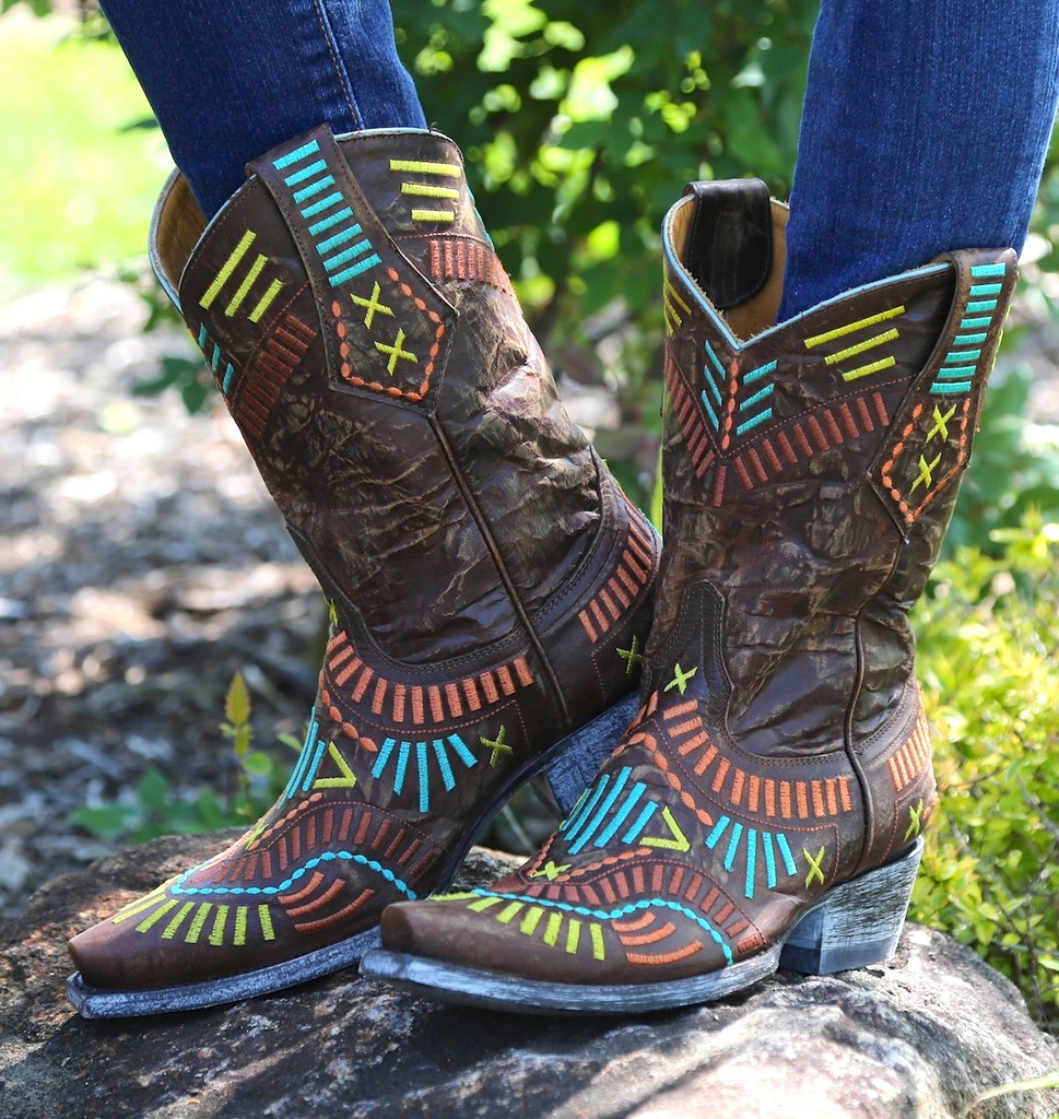 Old Gringo Apache Stitch Brass Boots L1655-1 Image