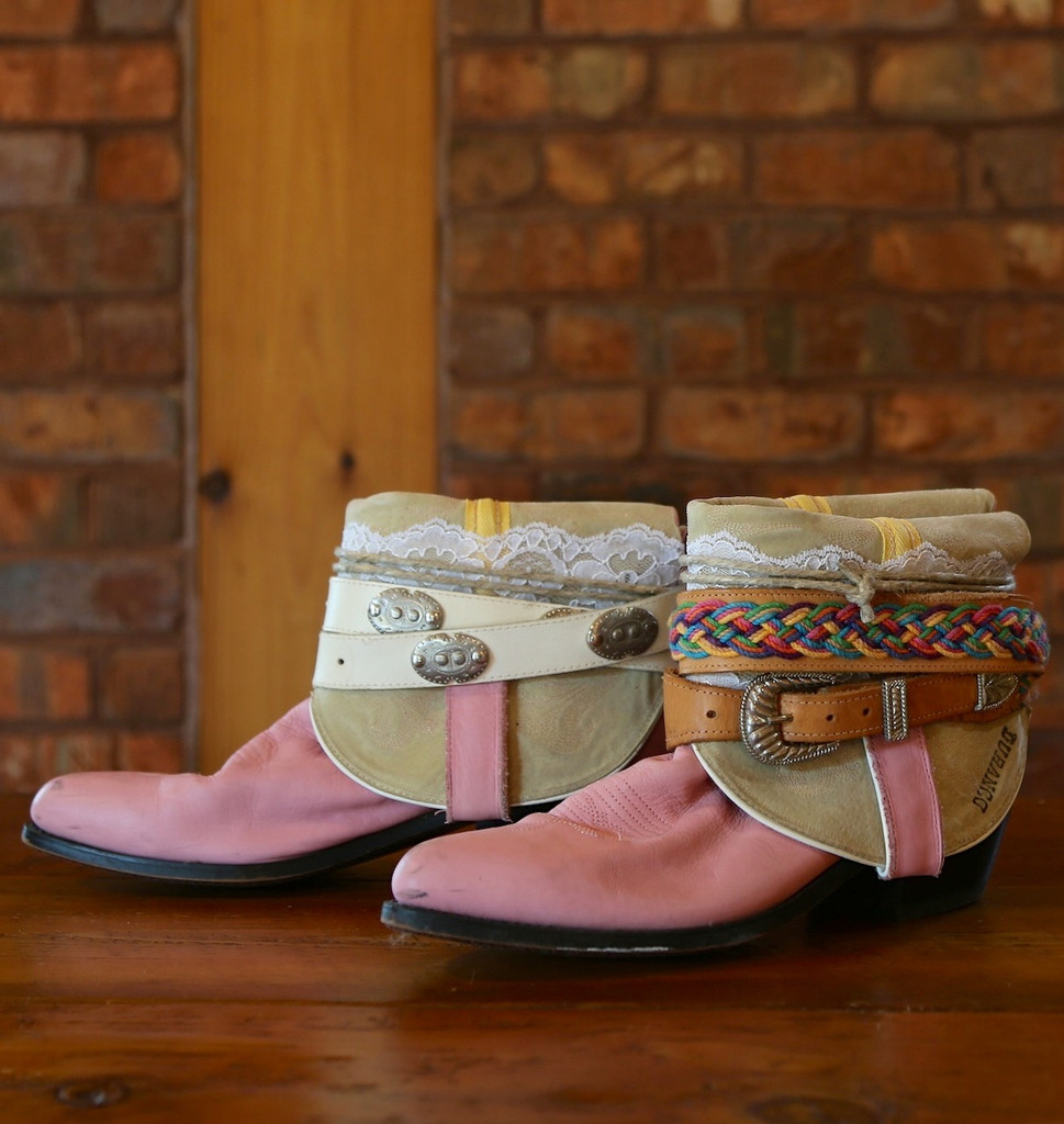 The Feather Junkie Pink Durango Vintage Boots Size 9 Side