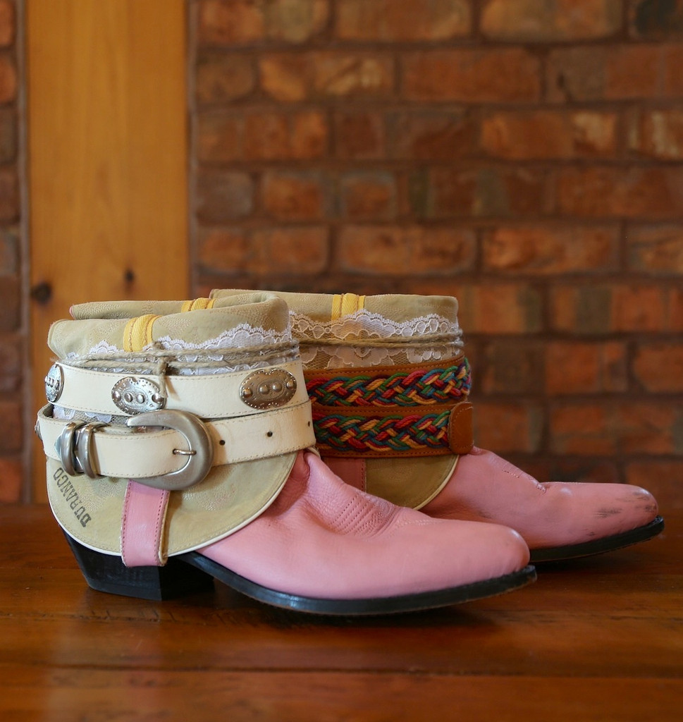 The Feather Junkie Pink Durango Vintage Boots Size 9 Image