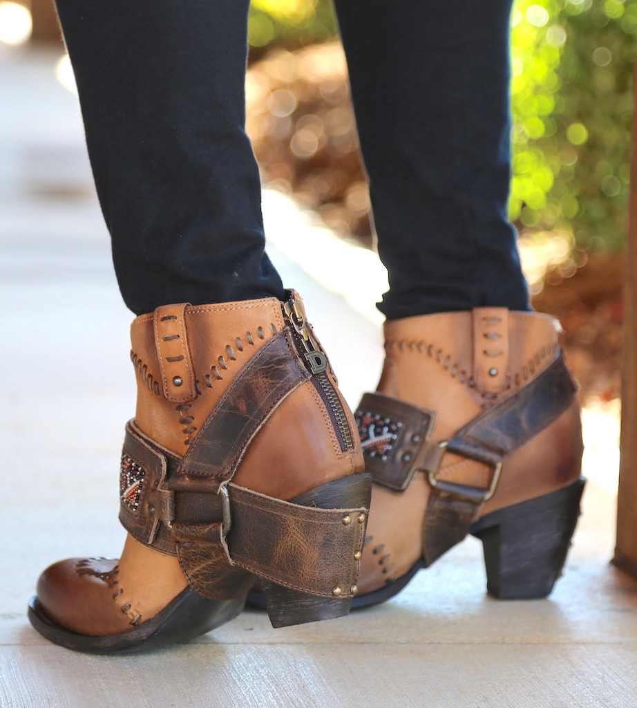 Lane for Double D Ranch Cordero Rizado Tan Boots DD9046A Heel