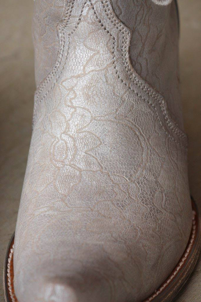 Corral Silver Embroidery and Swarovsky C3202 Close Toe Image