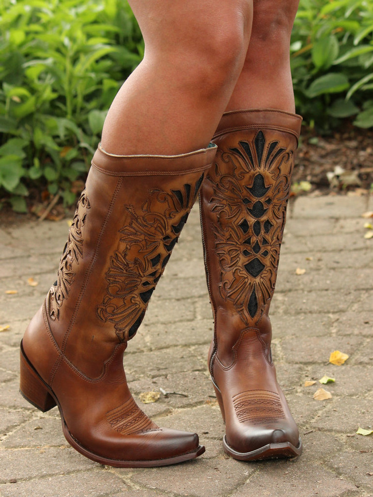 Corral Honey Laser Inlay Embroidery Boot C3148 Pose