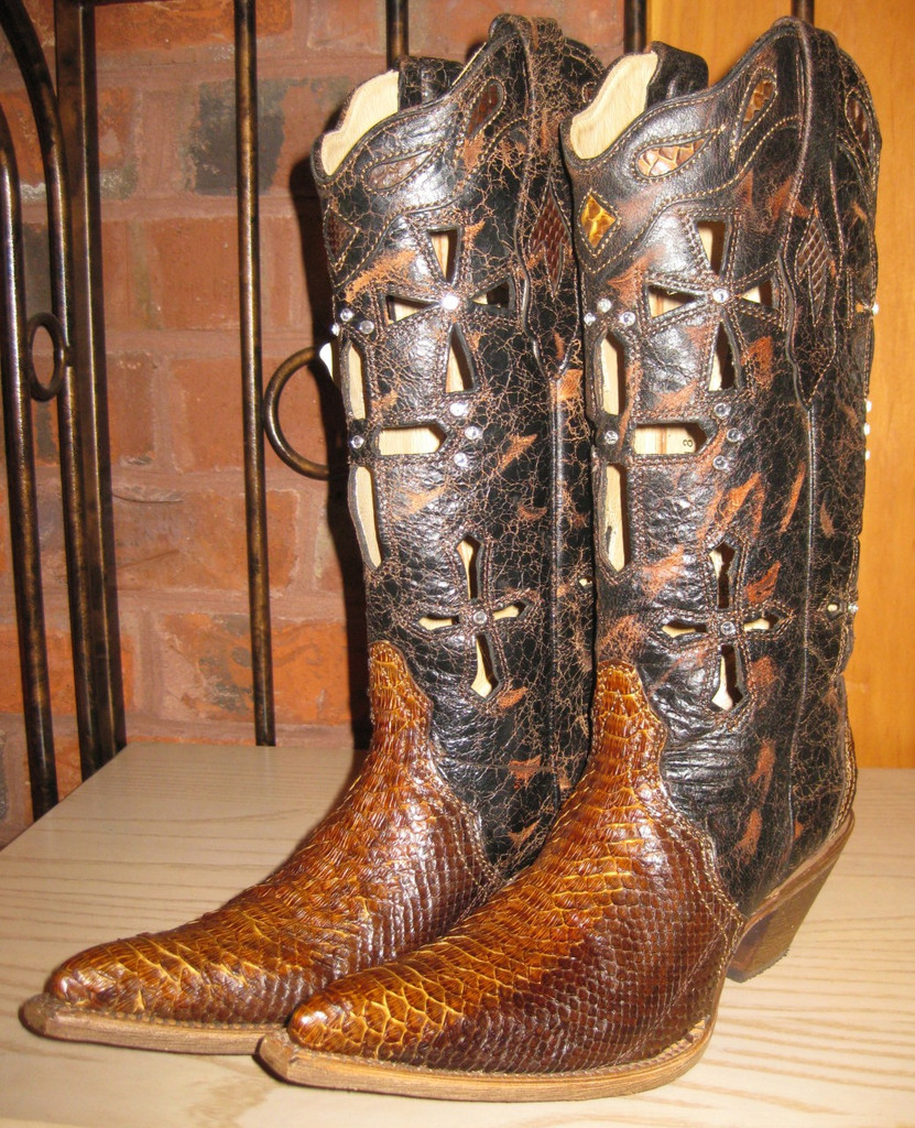 Corral Boots Musgo Python Cross Left Picture