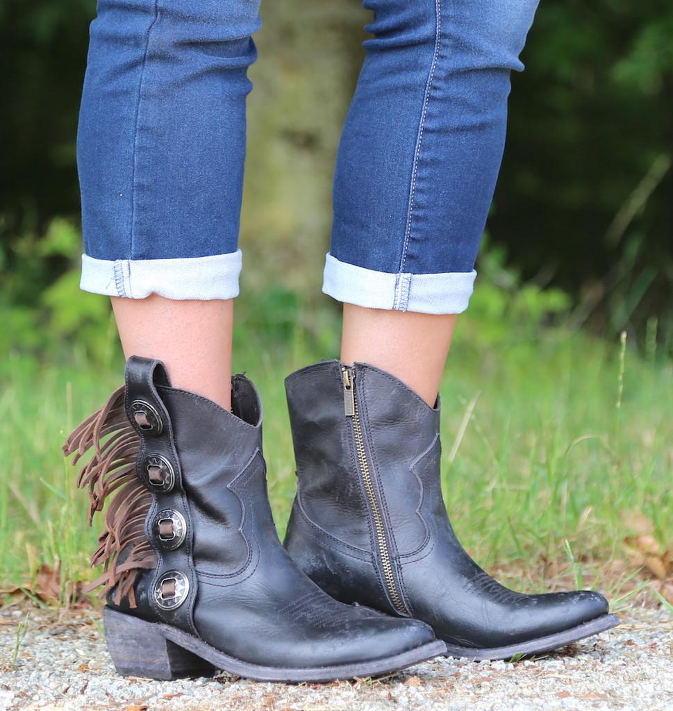 Liberty Black Concho Fringe Shortie Negro Boots LB711158 Toe