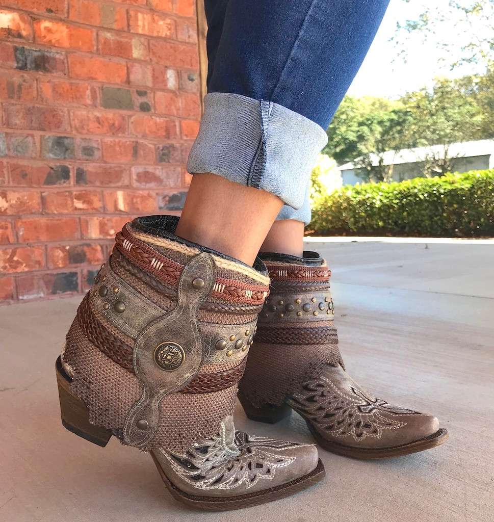 Corral Tobacco Flipped Shaft Wing and Cross Jute Rug Ankle Boot A3459 Toe