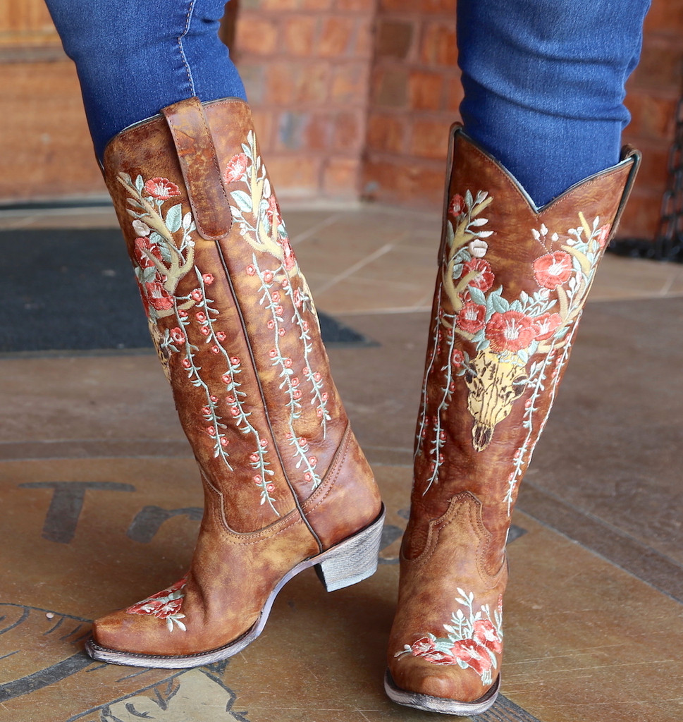 Corral Tan Deer Skull and Floral Embroidery Boots A3620 Toe