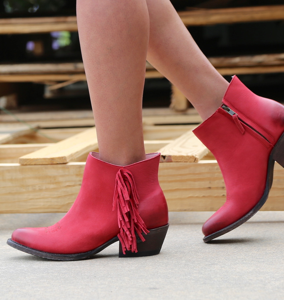 Miss Macie On The Fringe Red Boots U7001-01 Image