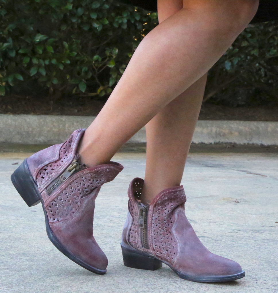 Corral Wine Cutout Shortie Boots Q5063 Image