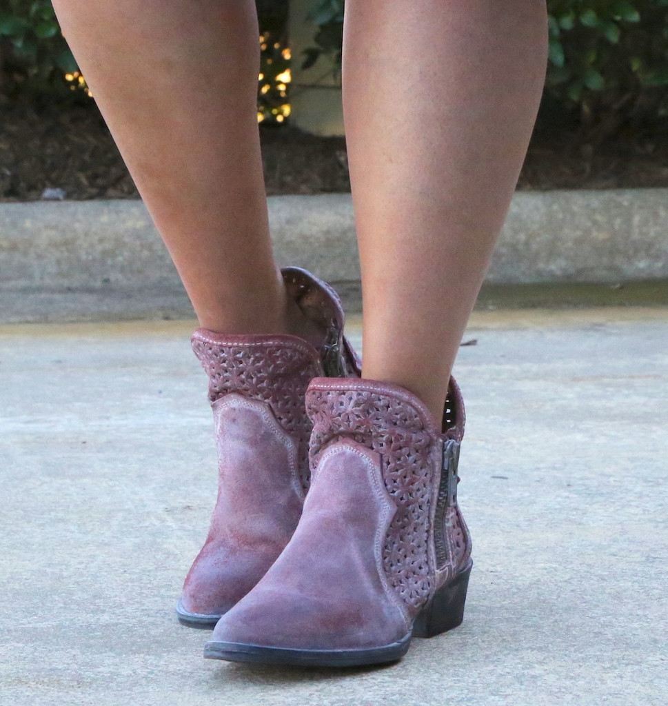 Corral Wine Cutout Shortie Boots Q5063 Picture