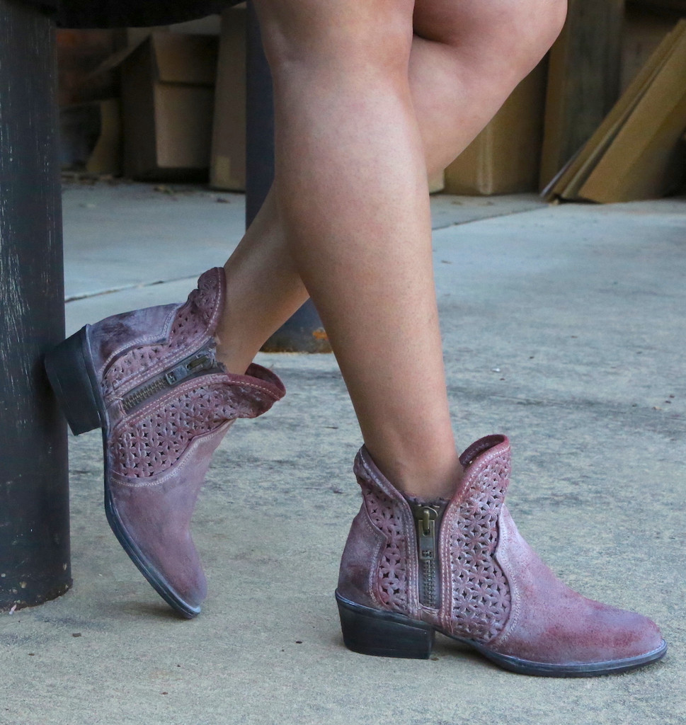 Corral Wine Cutout Shortie Boots Q5063 Photo