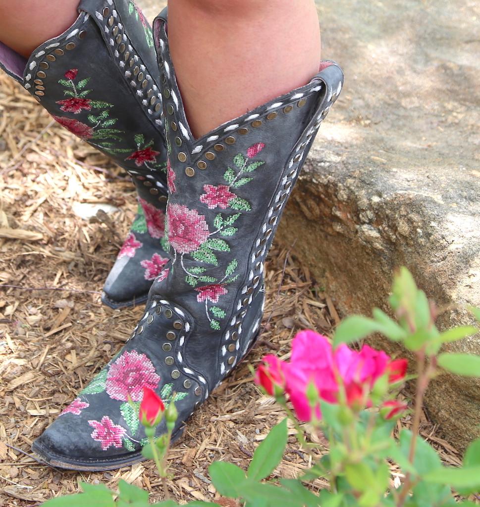 Junk Gypsy By Lane Needlepoint Black Boots JG0053A Toe