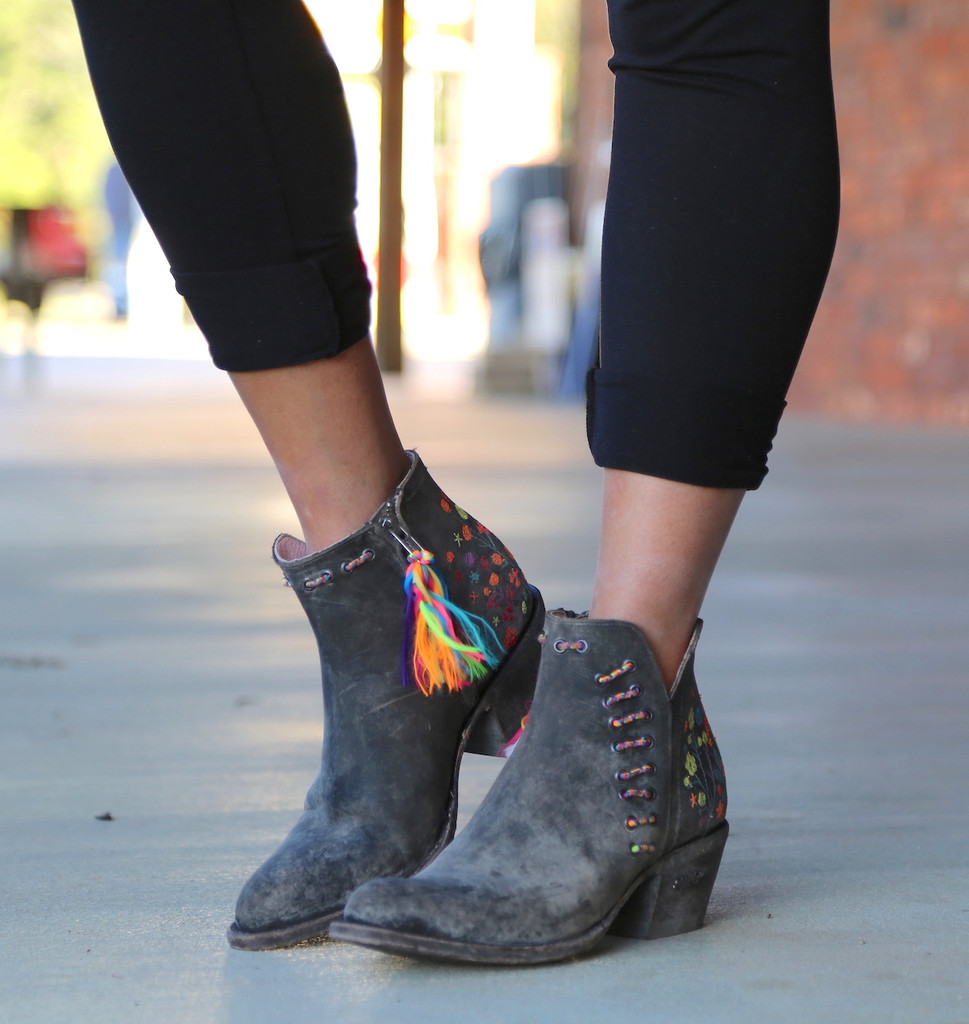 Miss Macie Dadgummit Boots U8001-01 Image