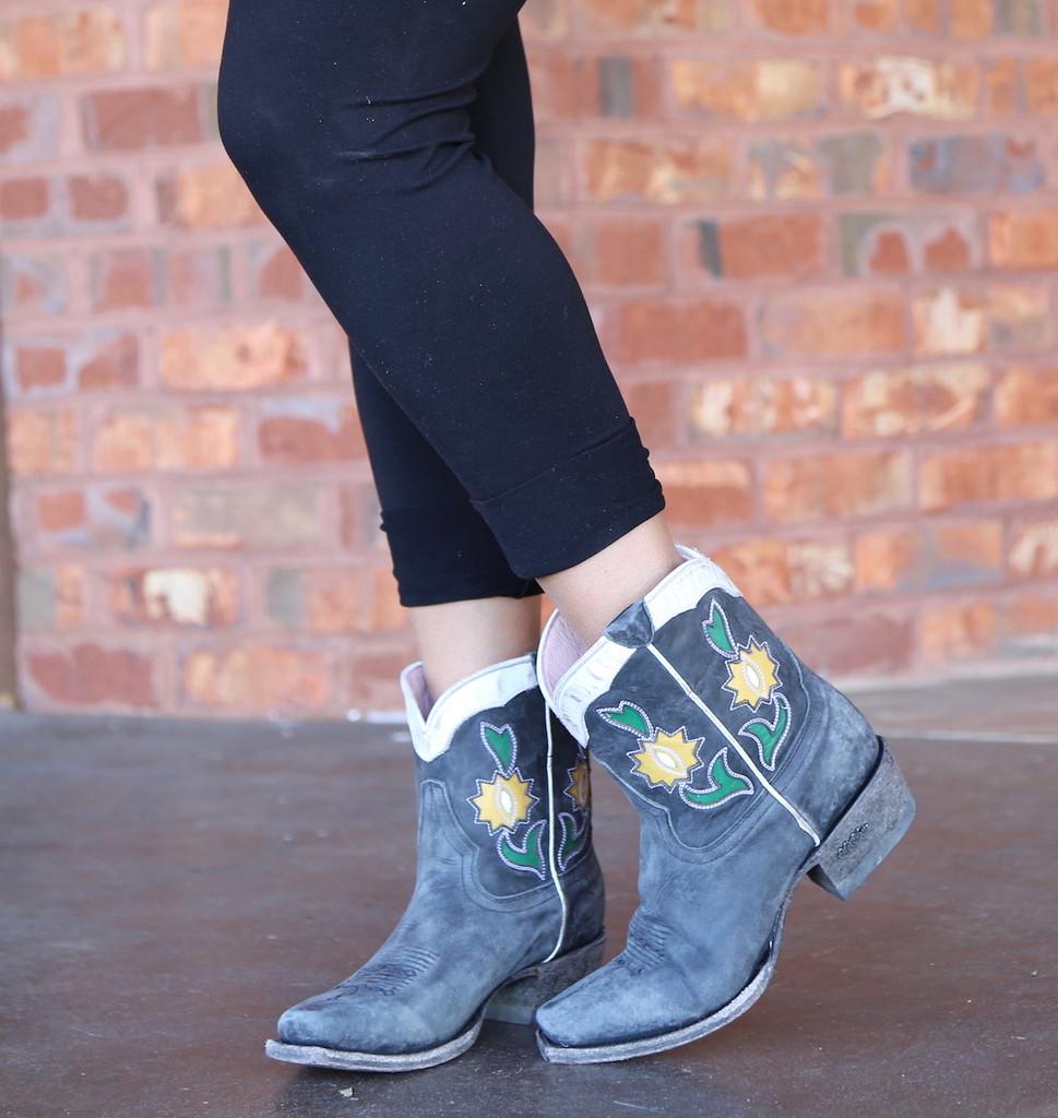 Miss Macie Run Ragged Boots Black U8502-02 Photo