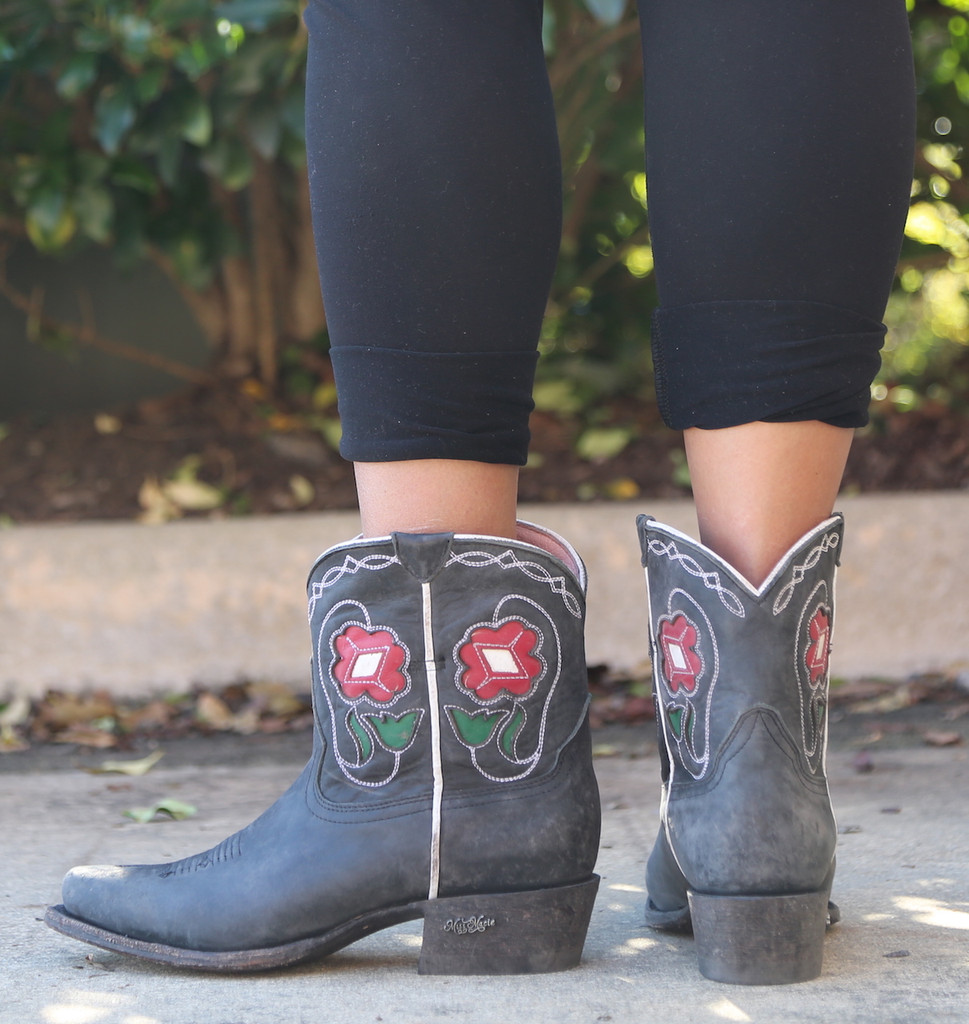 Miss Macie Tuckered Out Boots U8500-01 Heel